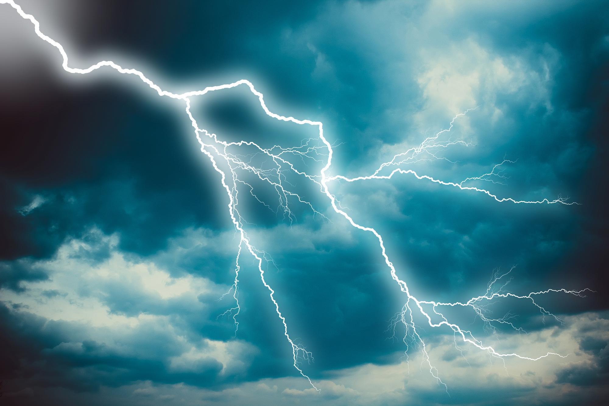 落雷の被害を軽減するには?雷被害とその対策を学ぶ