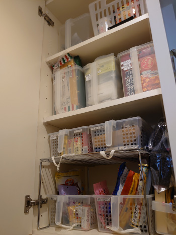 キッチン周りの収納庫